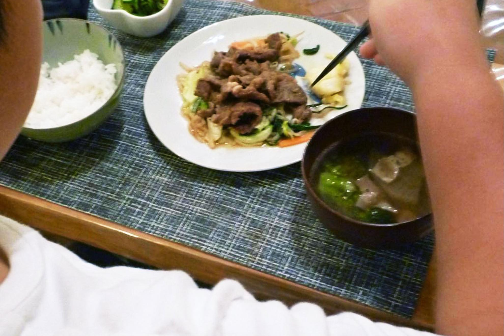 夕飯でラム肉を食べる